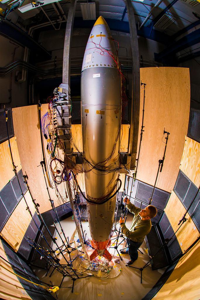 Prace nad modernizacją bomby jądrowej B61 w laboratoriach Sandia. Próby akustyczne