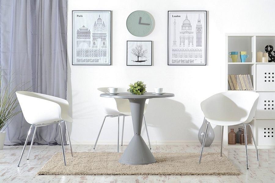 Smukły stolik świetnie sprawdzi się w pokoju dziennym