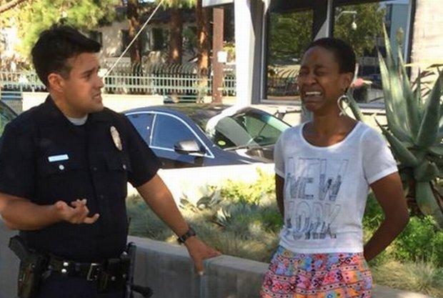 Daniele Watts podczas zatrzymania przez policję