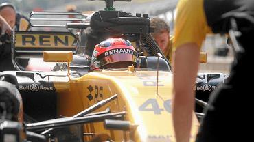 Robert Kubica w bolidzie Renault. testy na torze Hungaroring, Budapeszt, Węgry, 2 sierpnia 2017