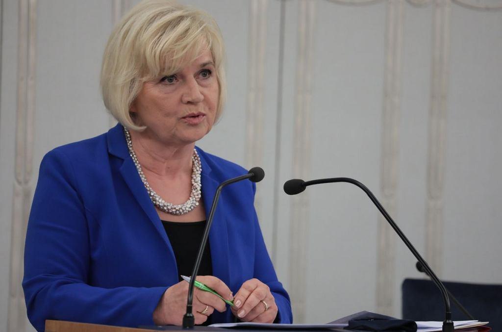Lidia Staroń w czasie debaty przed głosowaniem w Senacie ws. wyboru jej na stanowisko Rzecznika Praw Obywatelskich