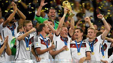 Niemcy z trofeum