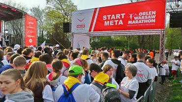 Start charytatywnego marszobiegu Dar Serca, dzień przed Orlen Warsaw Marathon