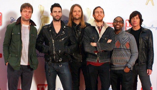Maroon 5 / Wikipedia