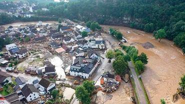 Powódź w Niemczech po wystąpieniu z brzegów rzeki Ahr, Altenburg