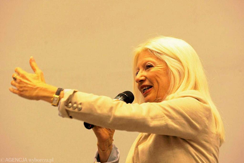 Małgorzata Niezabitowska, była rzecznik prasowa rządu Tadeusza Mazowieckiego podczas spotkania ze studentami