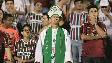 Mecz ligowy w Brazylii między Goias i Fluminense na stadionie Serra Dourada, 2013 r., fot. Weimer Carvalho/Getty Images