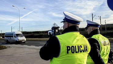 Policjanci zatrzymali kierowcę z dożywotnim zakazem kierowania pojazdami