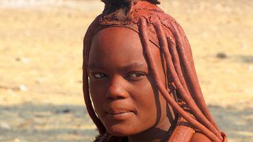 Kobieta z plemienia Himba w Namibii / shutterstock