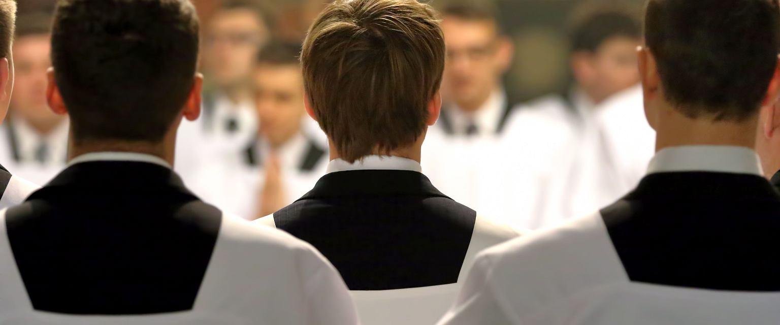 'Przekonanie o tym, że w Kościele można być blisko kasy, zaczyna się już w seminarium' (Fot. Shutterstock.com, zdjęcie ilustracyjne)