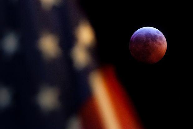 Zaćmienie Księżyca, USA, 20 stycznia 2019 r.