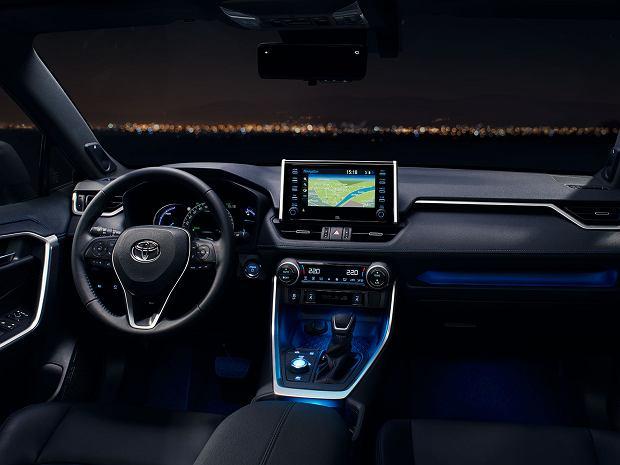 TOP 3 wersje Toyoty RAV4, które chcemy mieć! Hybryda, benzyna czy plug-in?