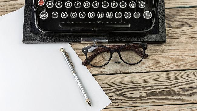 Jak napisać wspomnienie o zmarłym? Poradnik