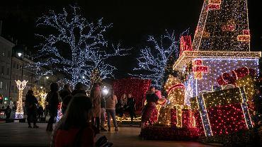 Iluminacja świąteczna w centrum Warszawy