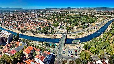 Serbskie miasto Niś. Czy to tu mieściło się centrum operacyjne i punkt rekrutacyjny Różowych Panter?