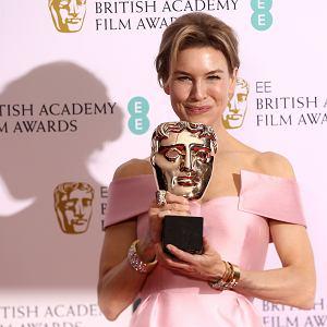 Renee Zellweger odbiera nagrodę dla najlepszej aktorki za rolę w filmie 'Judy'