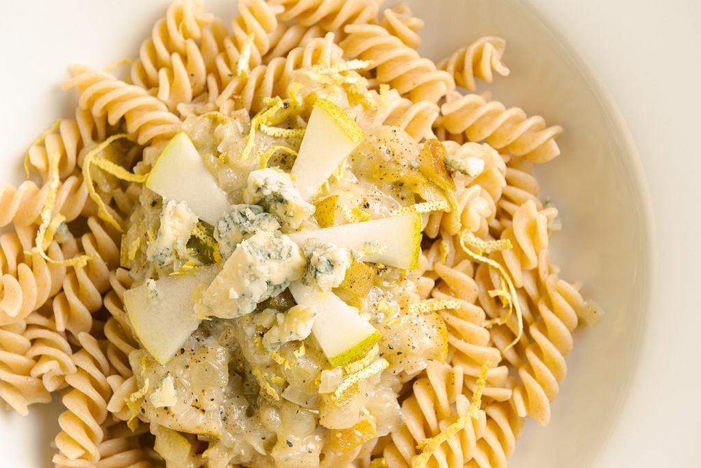 Fusilli z gorgonzolą i gruszką