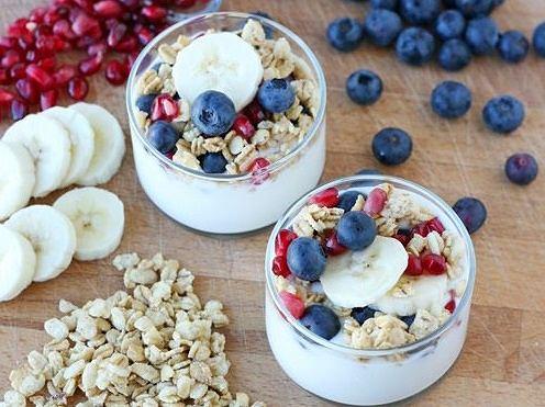 Jogurt naturalny z bananem