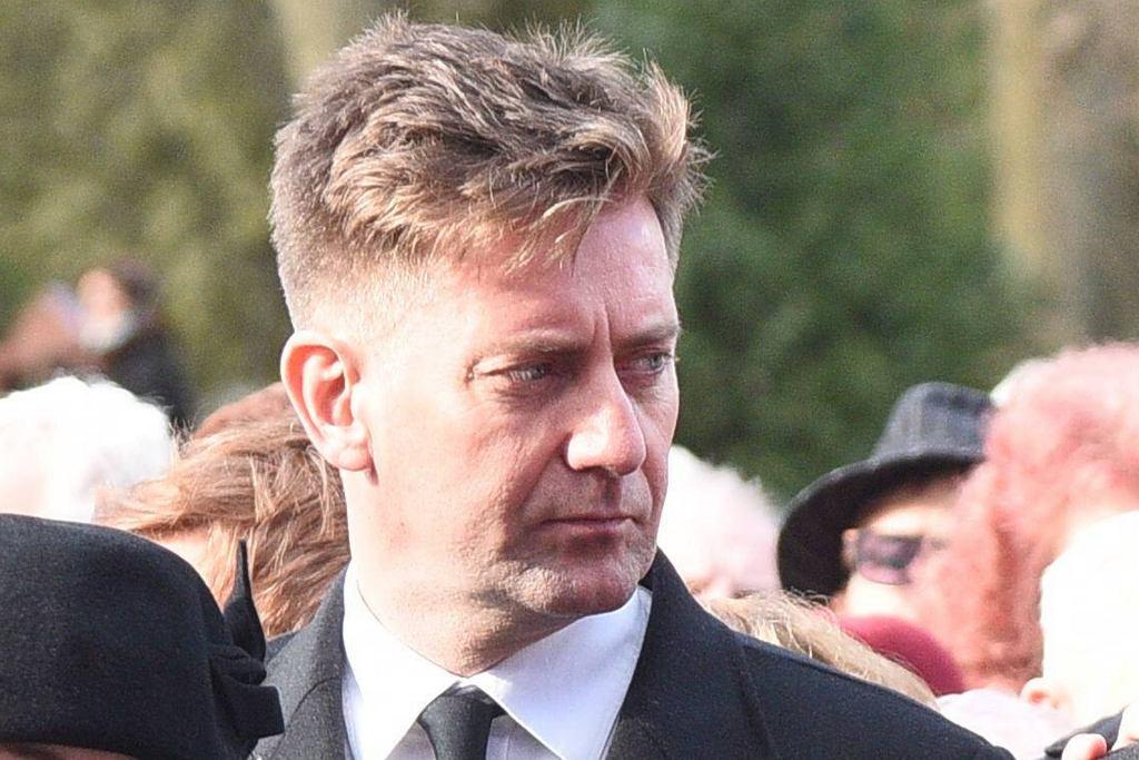 Rafał Królikowski na pogrzebie brata