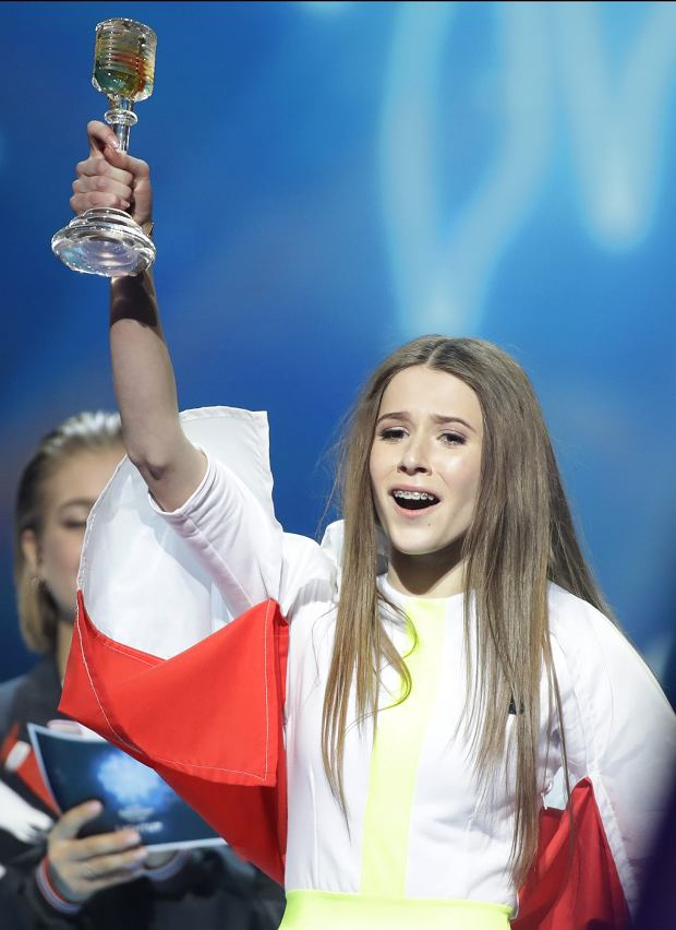 Polands Roksana Wegiel celebrates winning the 2018 Junior Eurovision song contest in Minsk, Belarus, Sunday, Nov. 25, 2018. Twenty candidates from various European countries participate at the event. (AP Photo/Sergei Grits)