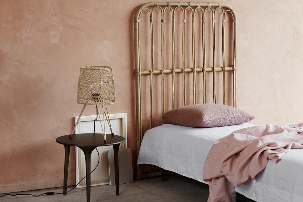 Rattanowy zagłówek do łóżka Tine K Home.