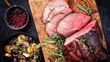 Dziczyzna to mięso pochodzące od tak zwanej zwierzyny łownej, czyli od zwierząt dziko żyjących
