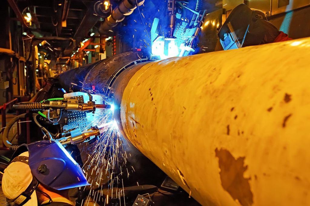 Niemiecki regulator wykorzystał nowe unijne prawo, aby na 20 lat zwolnić gazociąg Nord Stream z Rosji z europejskich wymogów antymonopolowych