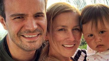 Mikołaj Krawczyk z żoną i córką