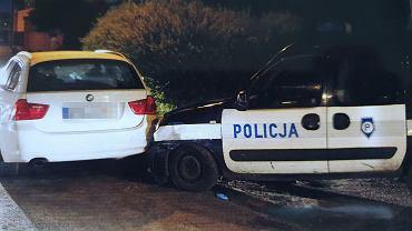 Kierowca bmw staranował radiowozy, wypadek