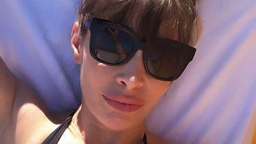 Agnieszka Dygant wprowadza internautów w osłupienie, pozując w bikini na plaży.