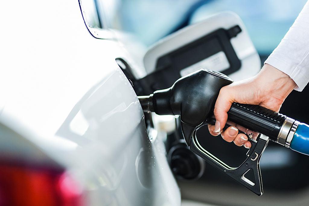 W pierwszym tygodniu po wyborach prezydenckich na stacjach benzynowych ceny poszły ostro w górę, chociaż w hurcie ceny paliw zaczęły spadać.