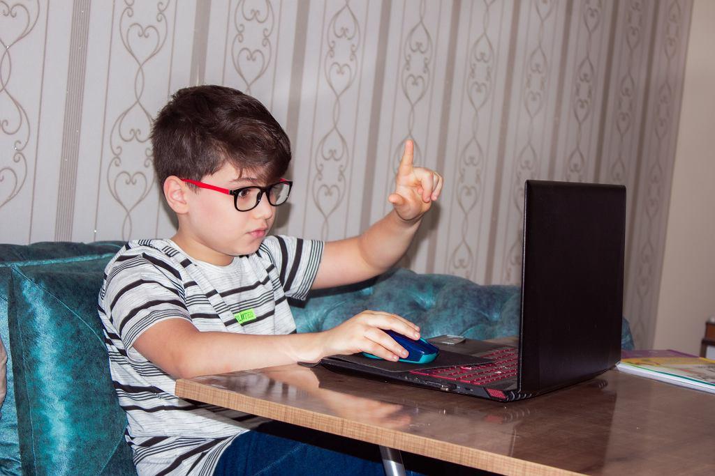Lockdown spowodował, że dzieci częściej cierpią na krótkowzroczność (zdjęcie ilustracyjne)