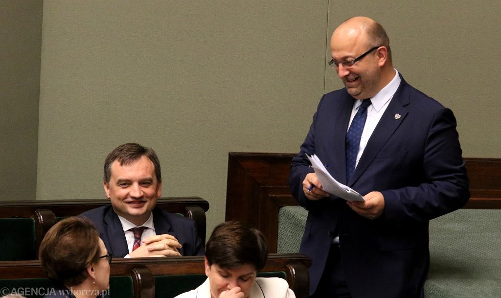 Minister sprawiedliwości Zbigniew Ziobro i wiceminister sprawiedliwości Łukasz Piebiak.