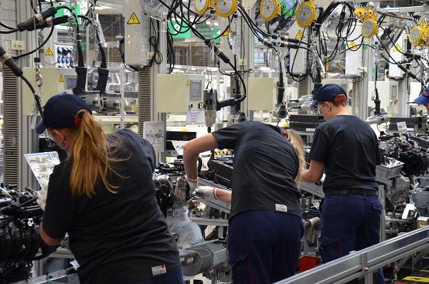 Nowe linie produkcyjne w fabryce Toyoty. Potrzeba rąk do pracy