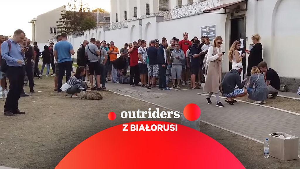 Tłumy przed białoruskim aresztem