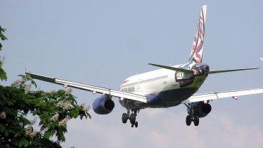 Airbus A320 na lotnisku Heathrow