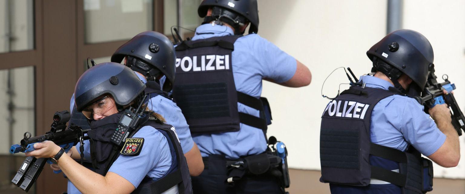 Ćwiczenia praktyczne w Wyższej Szkole Policyjnej w Hahn (Holtermann Roland LPS RLP)