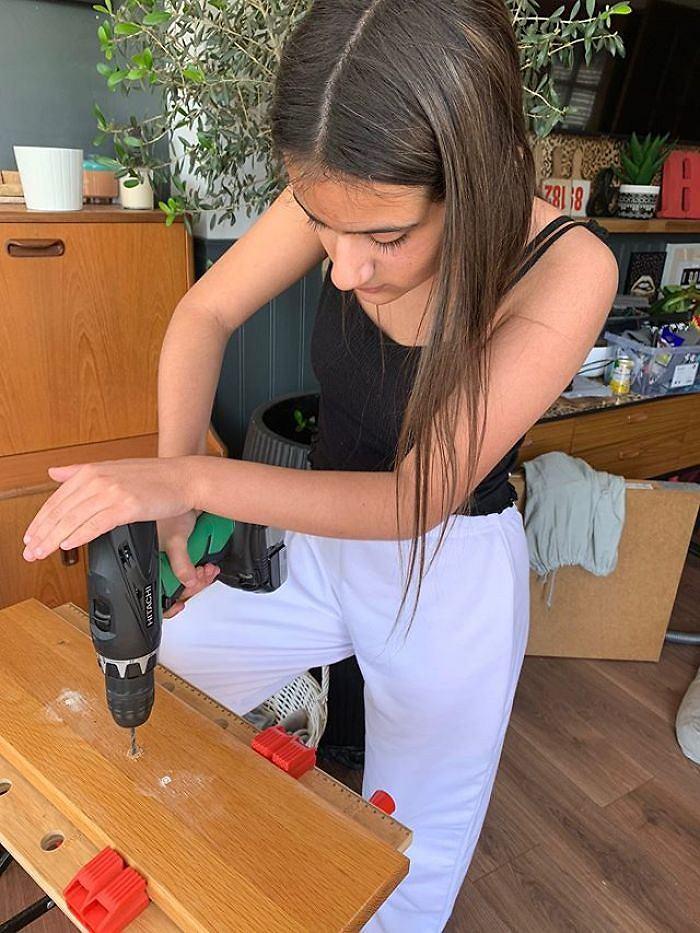 Bea w trakcie pracy