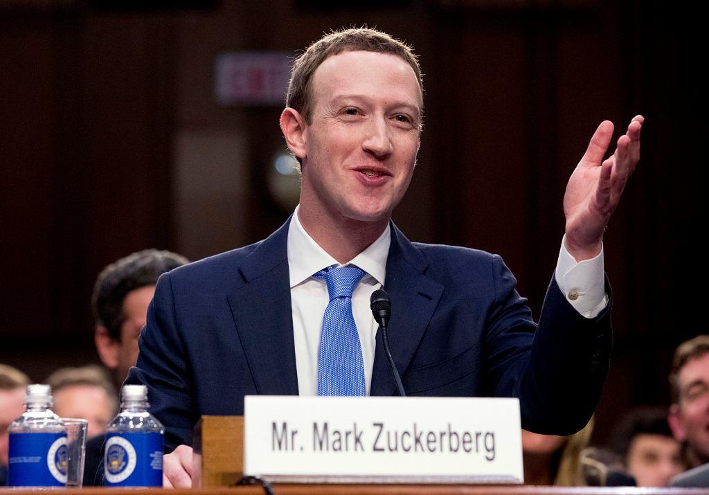 Mark Zuckerberg podczas przesłuchania w Kapitolu