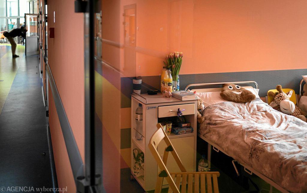 Dla nieletnich brakuje miejsc w szpitalach psychiatrycznych. Na pomoc w poradniach trzeba czekać, bo są kolejki.