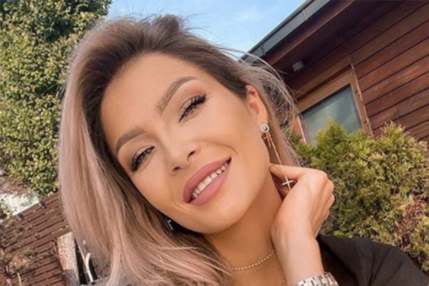 """Anna Ryśnik, znana jako """"Duża Ania"""" z programu """"Warsaw Shore"""", zdecydowała się na grzywkę. W komentarzach roi się od komplementów"""