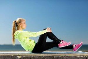 Kolano biegacza. Przyczyny bólu kolan u biegaczy i doraźne sposoby leczenia