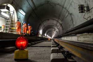 57 km przez Alpy. Najdłuższy tunel na świecie już otwarty