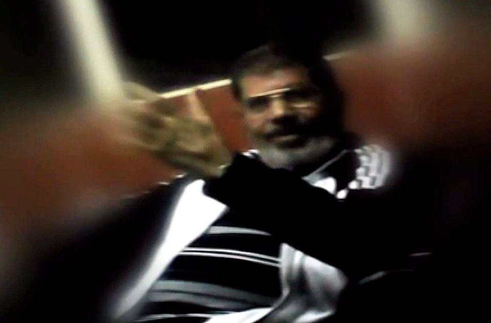 Muhammad Mursi został pokazany po raz pierwszy od czasu wojskowego zamachu stanu sprzed czterech miesięcy.