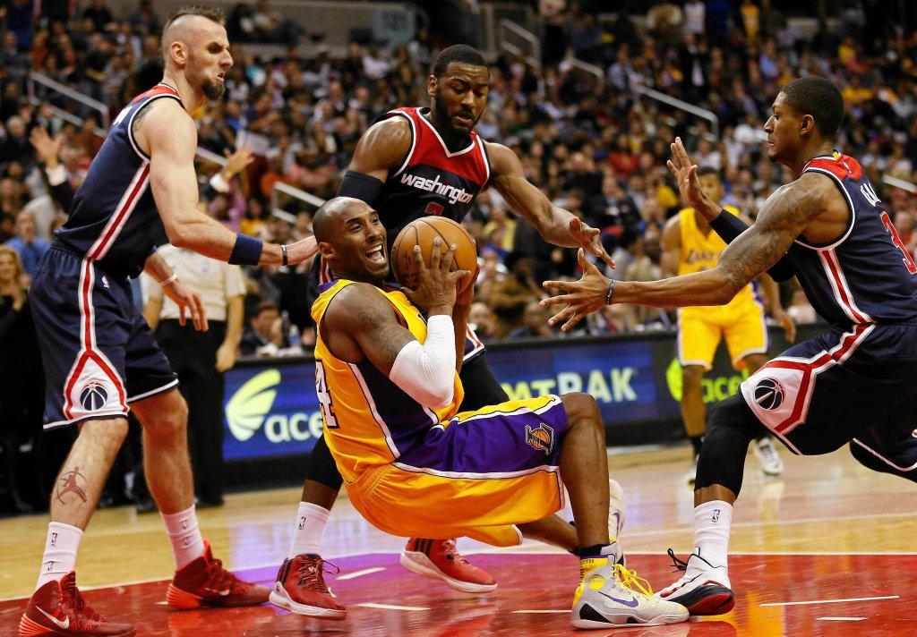 Marcin Gortat w meczu z Los Angeles Lakers