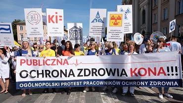 Manifestacja pracowników ochrony zdrowia