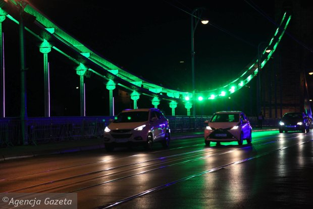 Zdjęcie numer 0 w galerii - Most Grunwaldzki nocą z nowymi światełkami. Jak Wam się podoba? [ZDJĘCIA]