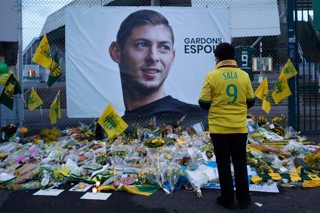 Miejsce pamięci Emiliano Sali pod stadionem w Nantes.