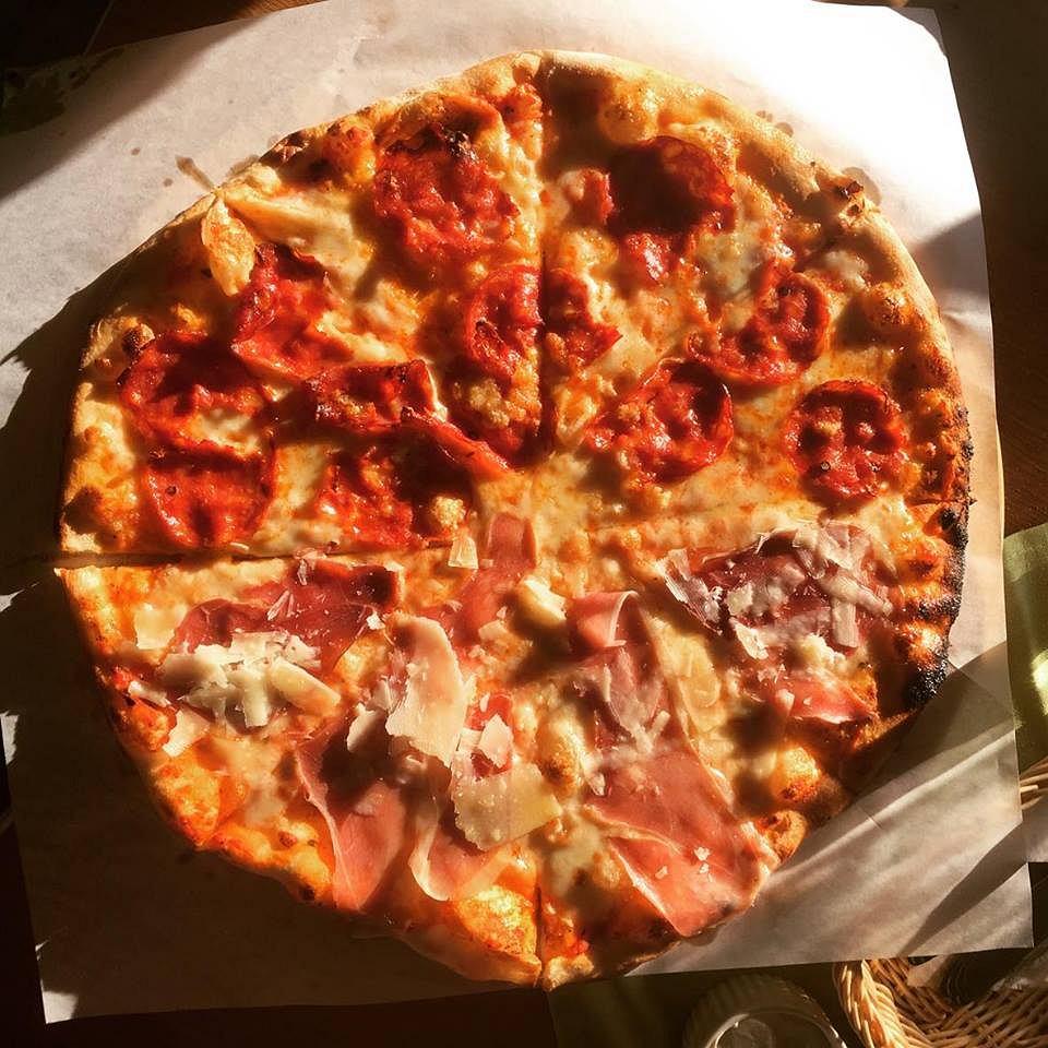 Kuchnia Dla Narciarzy Czyli Co Mozna Zjesc Na Stoku Pizza Z