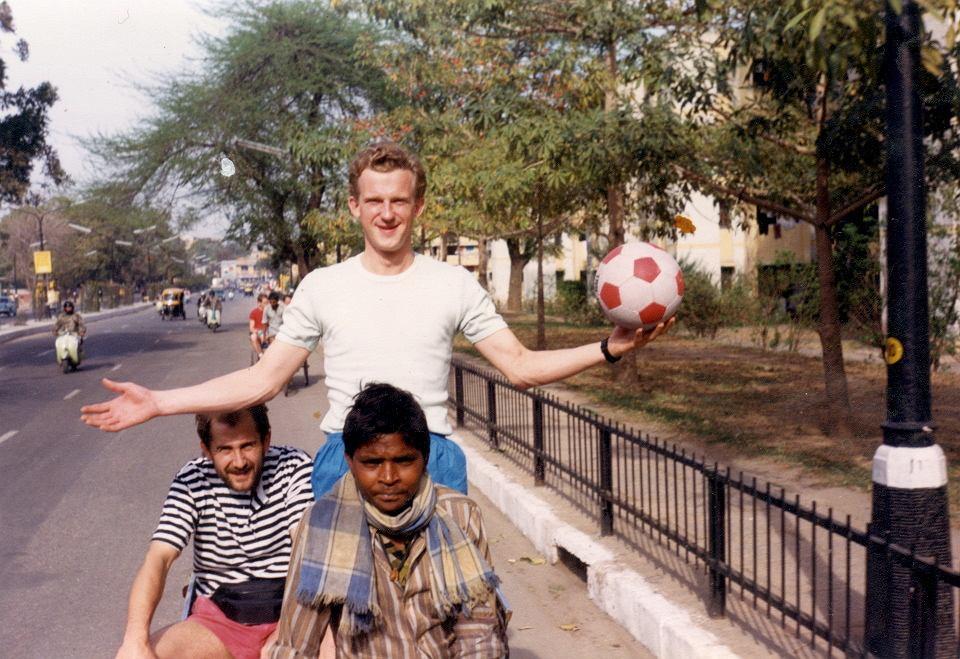 Cezary Borowy w latach 80. zajmował się przemytem elektroniki w Indiach